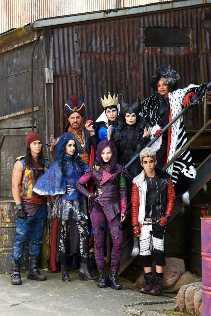 Photo of the main cast from The Descendants first movie.